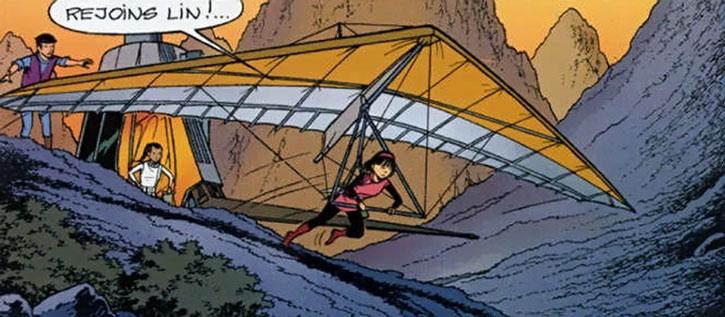 Yoko Tsuno flying a hang glider