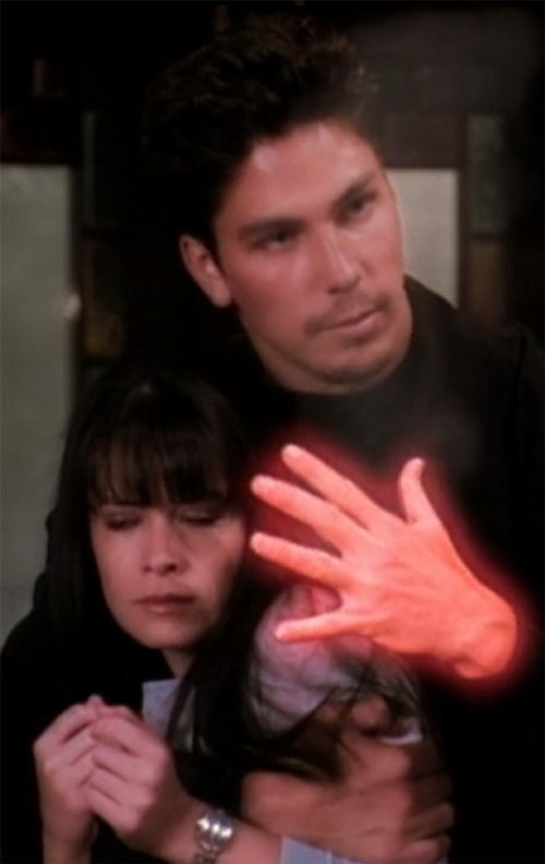 Alec the Darklighter (Michael Trucco in Charmed) threatening Piper