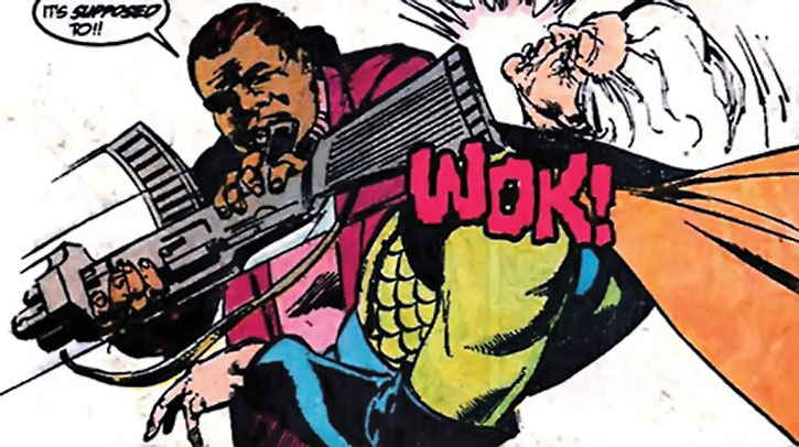 Amanda Waller vs. Granny Goodness