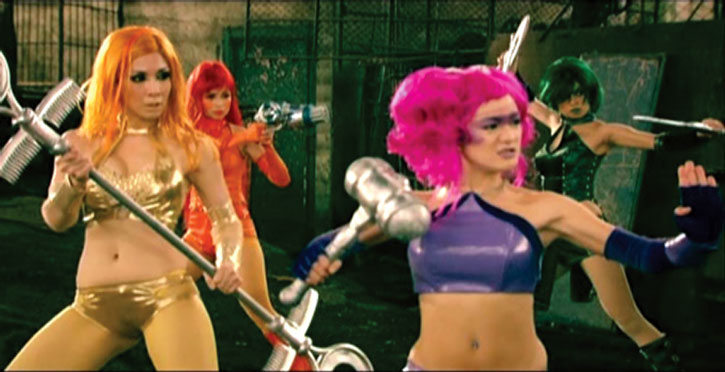 Amazonistas battle poses, from the Zsa Zsa Zaturnnah movie