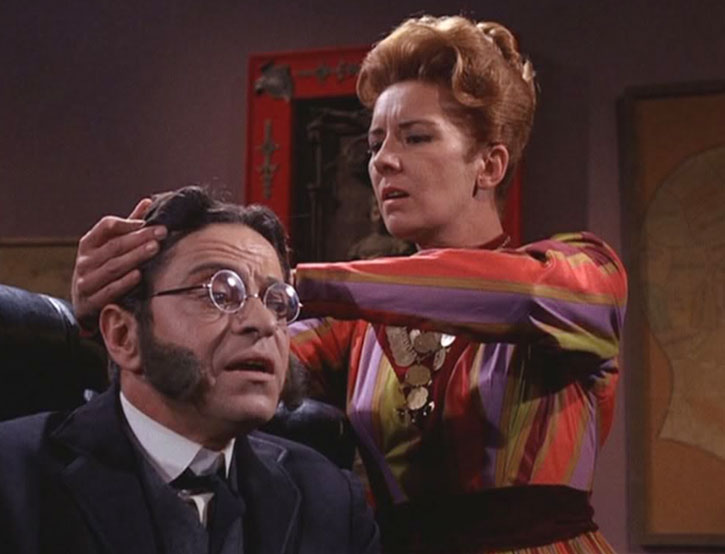 Artemus Gordon (Ross Martin) under examination