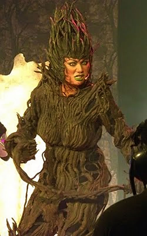 Babaeng Tuod Wood Witch (Darna enemy) (Francine Prieto version) next to a fire