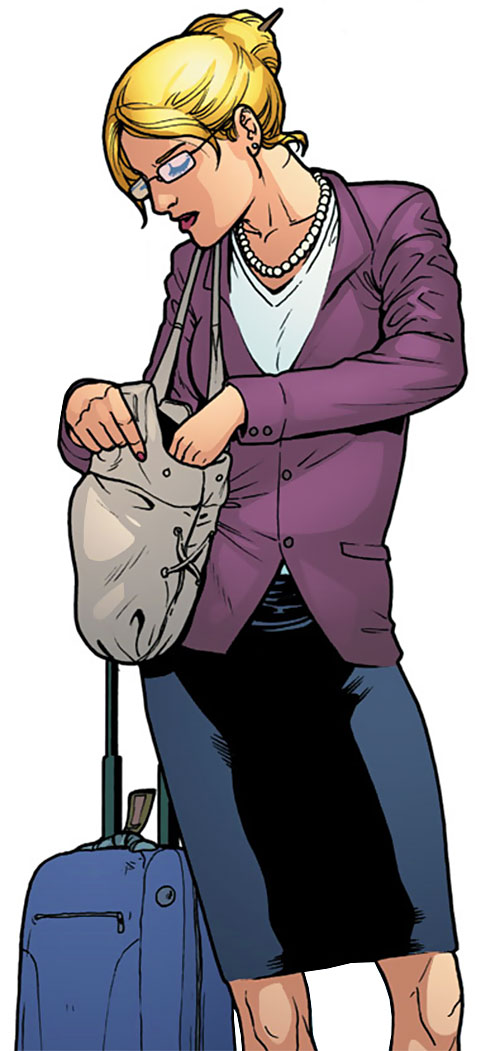 Stephanie Brown (Batgirl) (DC Comics) travelling