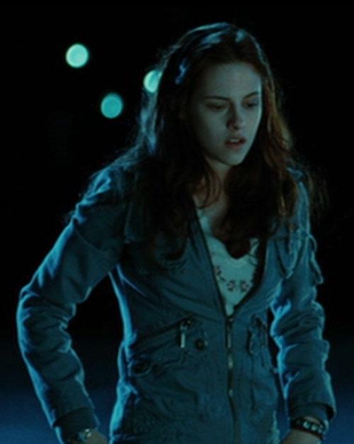 Bella Swan (Kristen Stewart in Twilight) (Early) at night