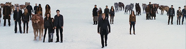 Bella Swan (Kristen Stewart), vampires and werewolves in the snow