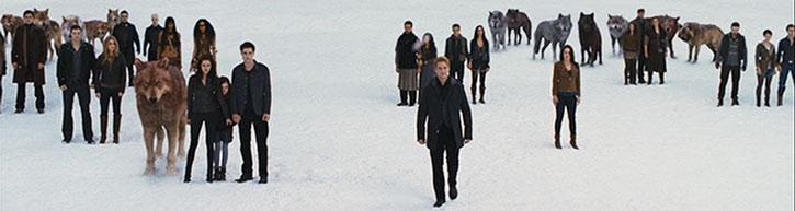 Bella Swan (Kristen Stewart), vampires and werewolves in the snow