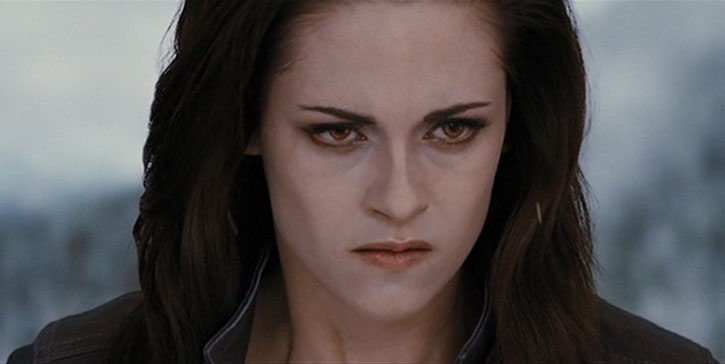 Bella Swan (Kristen Stewart) is pissed off