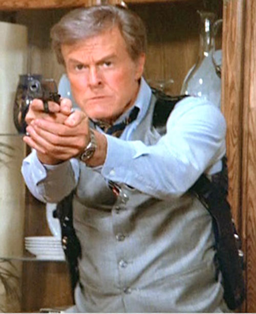 Bill Maxwell (Robert Culp in Greatest American Hero) aiming his .45