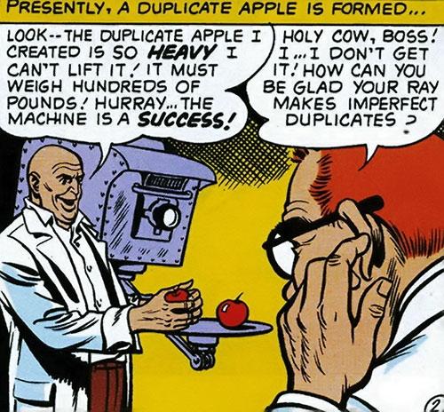 Lex Luthor tests his bizarro duplicator ray