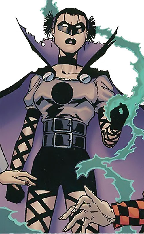 Black Alice (Birds of Prey) (DC Comics) using Green Lantern's power