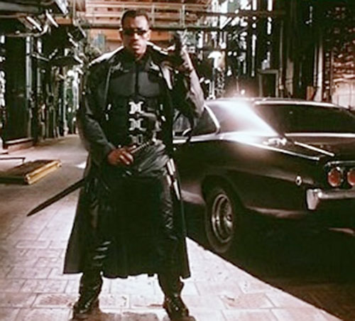 Blade (Wesley Snipes) with weapons and Dodge Charger