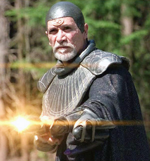 Bra'Tac (Tony Amendola in Stargate) firing a Jaffa staff