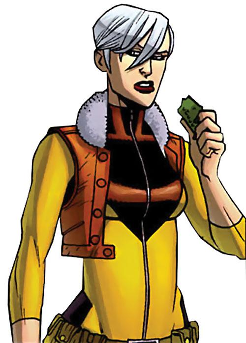 Britney (Brit / Invincible Image Comics Kirkman) yellow and brown uniform