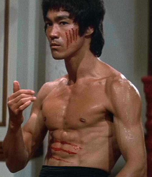 Bruce Lee bloodied by claws