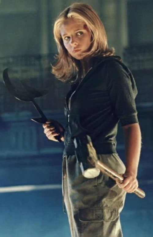 Buffy the Vampire Slayer (Sarah Michelle Gellar) fatigues, black hoodie, weapons