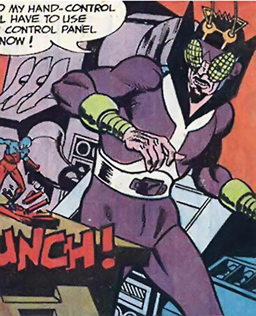 Bug-Eyed Bandit (Atom enemy) (DC Comics) in his lab