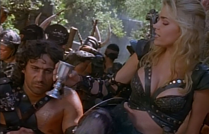 Callisto (Hudson Leick) and her soldiers