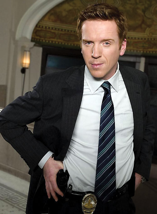 Charlie Crews (Damian Lewis in the Life TV series) in a dark grey suit