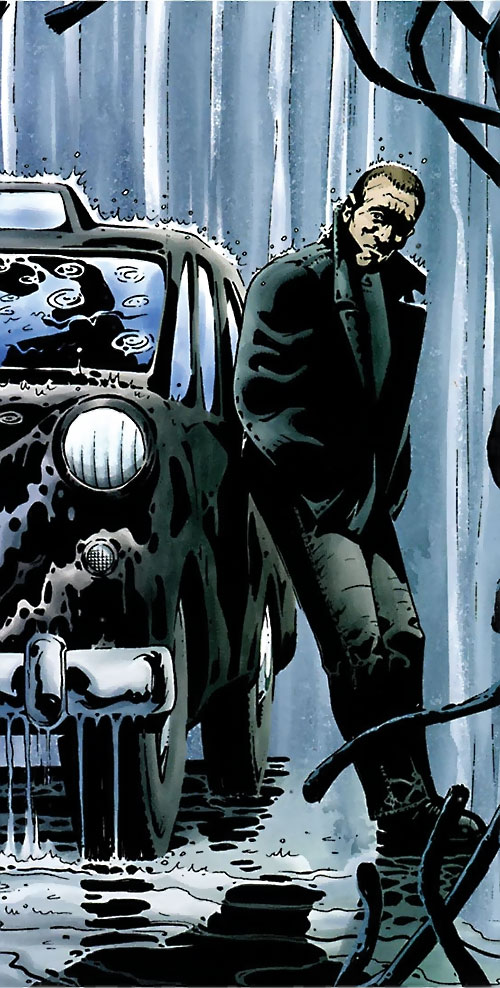 Chas Chandler (Hellblazer DC Comics) under the rain next to his taxi