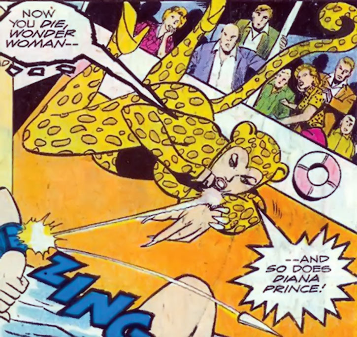 The Cheetah fights Wonder Woman