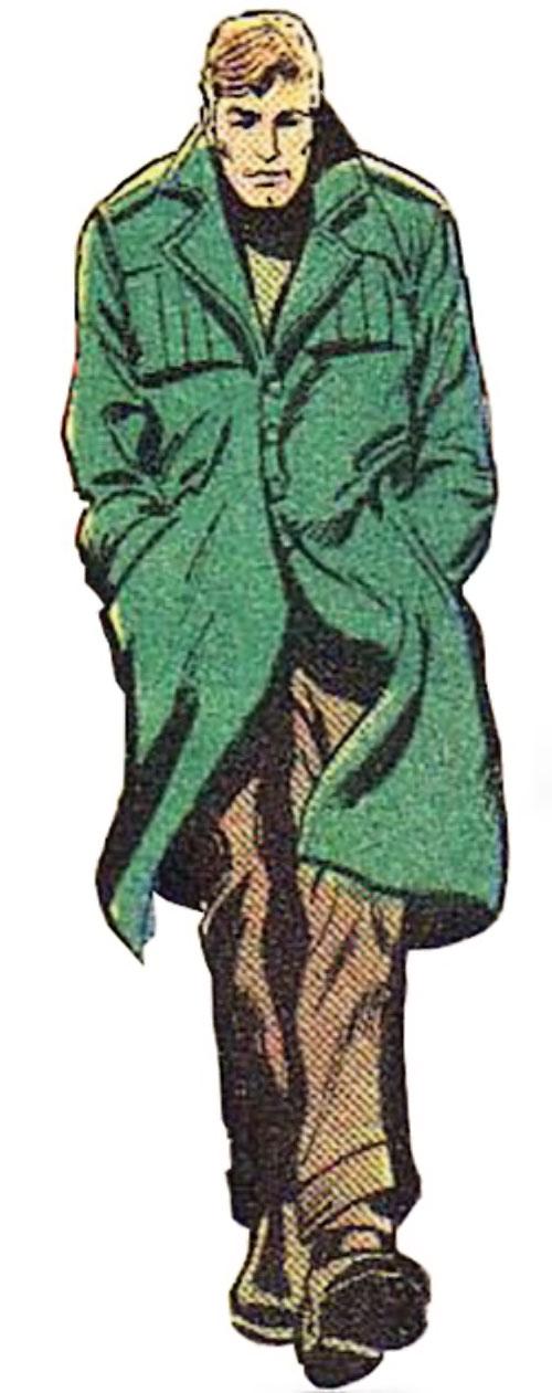 Cory Renwald (Superman ally) (DC Comics) walking