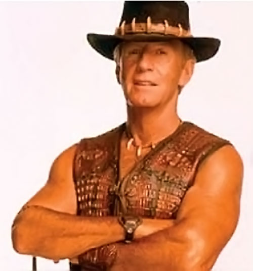 Crocodile Dundee (Paul Hogan) with arms crossed