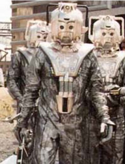 3 Cybermen (Doctor Who) with the gray jumpsuits
