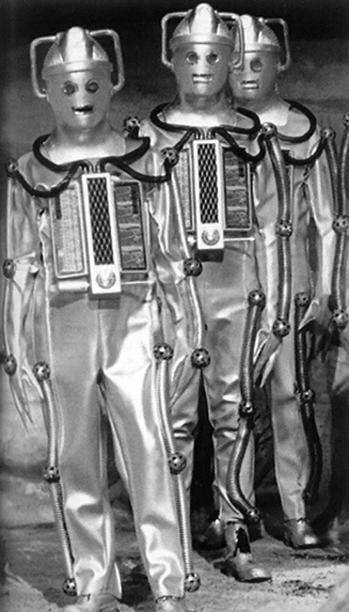 3 Cybermen (Doctor Who) in vintage costumes