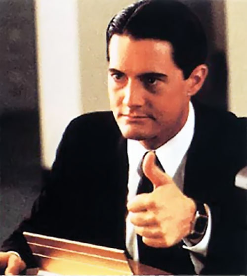 Dale Cooper (Kyle MacLachlan in Twin Peaks) thumb up