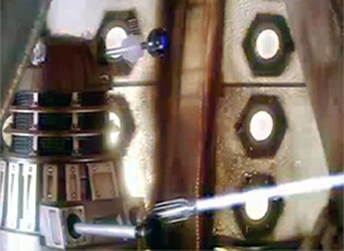 Daleks (Doctor Who) (Modern) opening fire