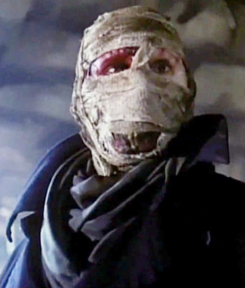 Darkman (Liam Neeson)'s bandaged face