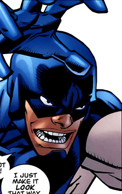 Darkwing 2 (Invincible comics) face closeup