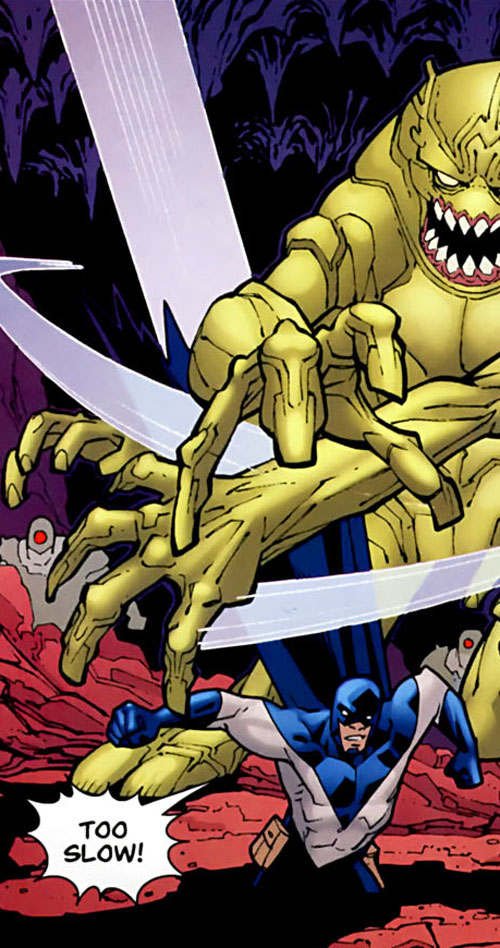Darkwing 2 (Invincible comics) vs. giant yellow monster