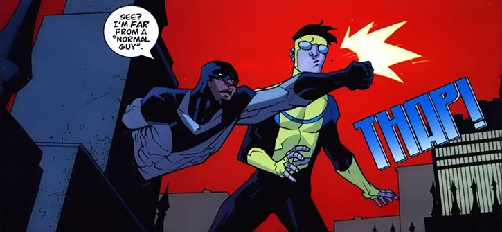Darkwing 2 (Invincible Comics) shadowstepping and punching Invincible