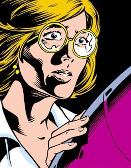 Alice Nugent (Doctor Spectrum) (Thunderbolts enemy) (Marvel Comics) examining tech