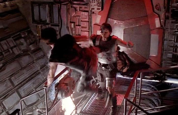 Dylan Hunt (Kevin Sorbo) kicks a cyborg