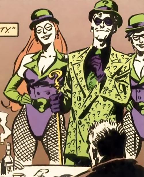 Query and Echo (Batman Ridder DC Comics) bowler hats