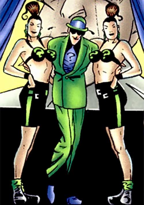 Query and Echo (Batman Ridder DC Comics) in black green costumes
