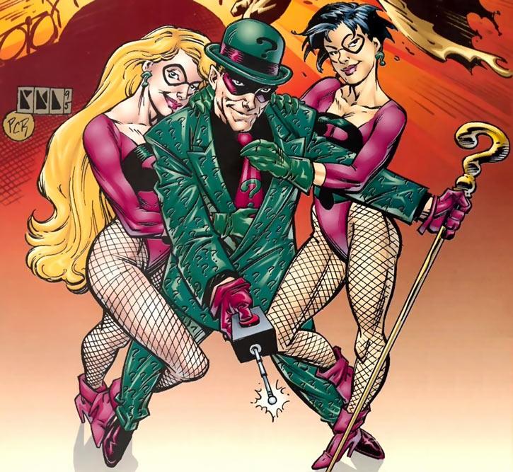 Query and Echo (Batman Ridder DC Comics) magenta leotards
