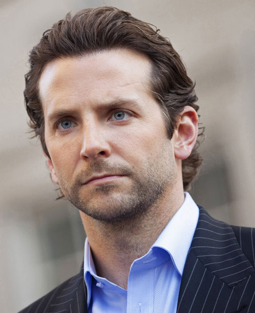 Eddie Morra (Bradley Cooper in Limitless) face closeup blue eyes