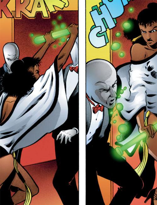 Edsel (Matt Wagner's Mage comics) mauling a grackleflint at the casino