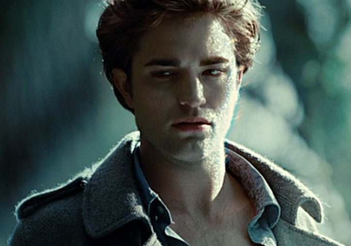 Edward Cullen (Robert Pattinson) glittering in the sun