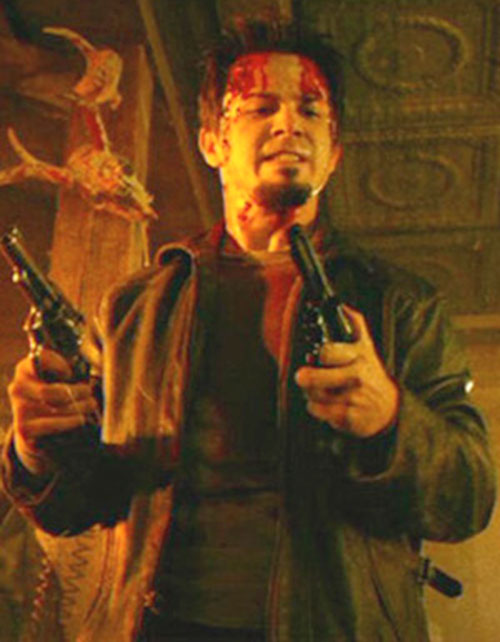 El Wray (Freddy Rodriguez in Planet terror) with 2 revolvers and a bloodied head