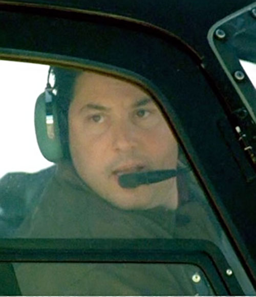 Eric Weiss (Greg Grunberg in Alias) in a helicopter