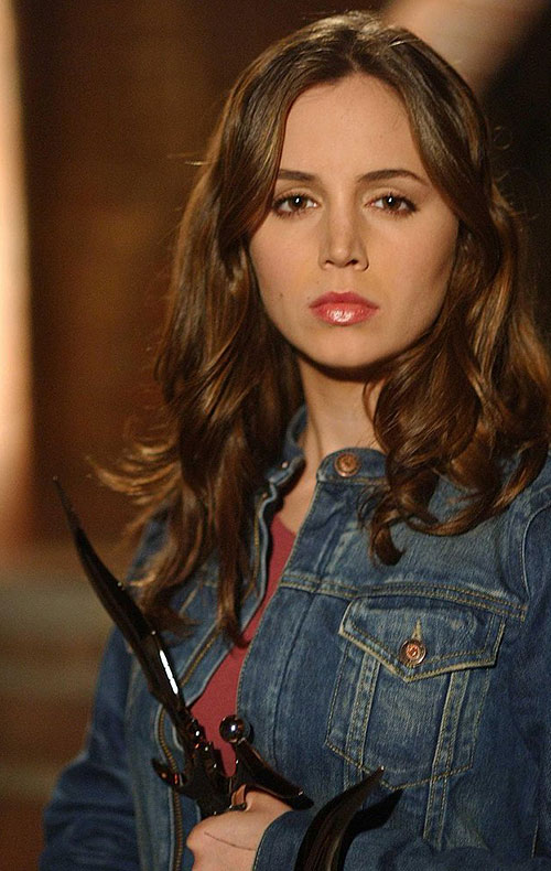 Faith Lehane (Eliza Dushku in Buffy and Angel) dagger and denim jacket