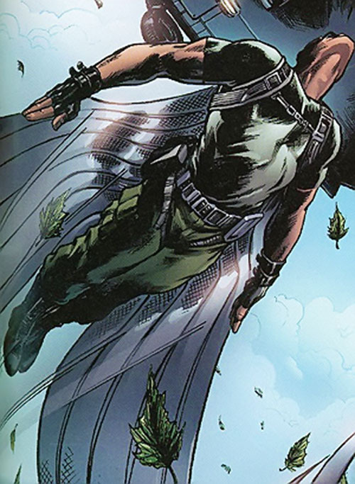 Ultimate Falcon (Ultimate Marvel Comics) flying under an helicopter