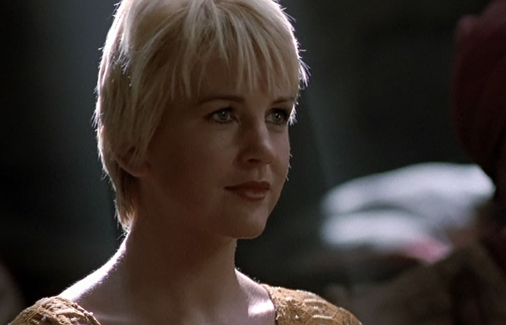 Gabrielle (Renee O'Connor) face closeup