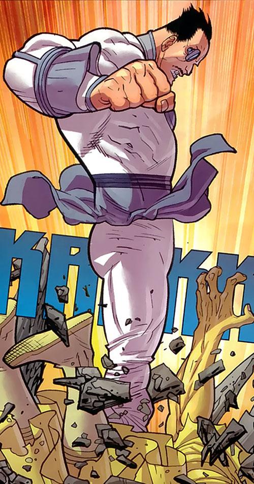General Kregg (Invincible comics) stomping