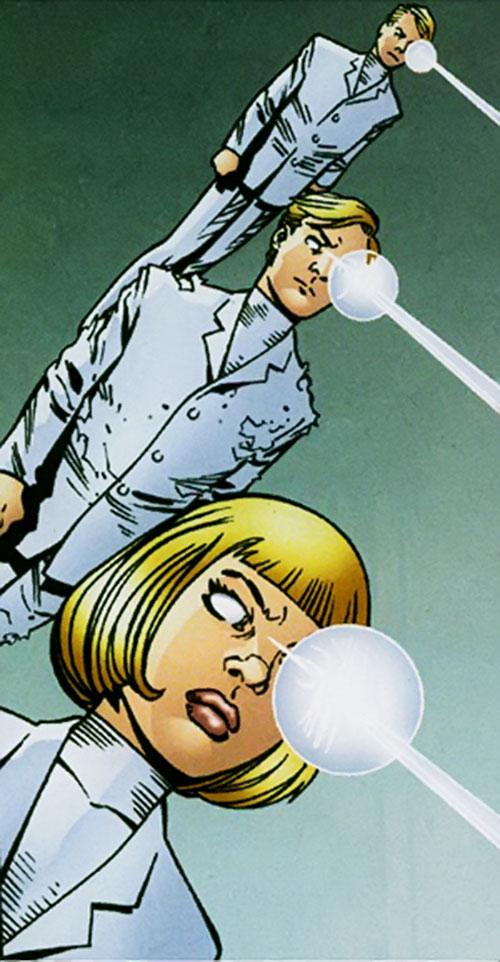 The Golden of the Establishment (Wildstorm Comics) in combat