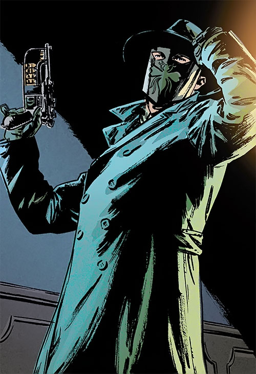 Green Hornet (Matt Wagner Dynamite Comics) adjusting his hat